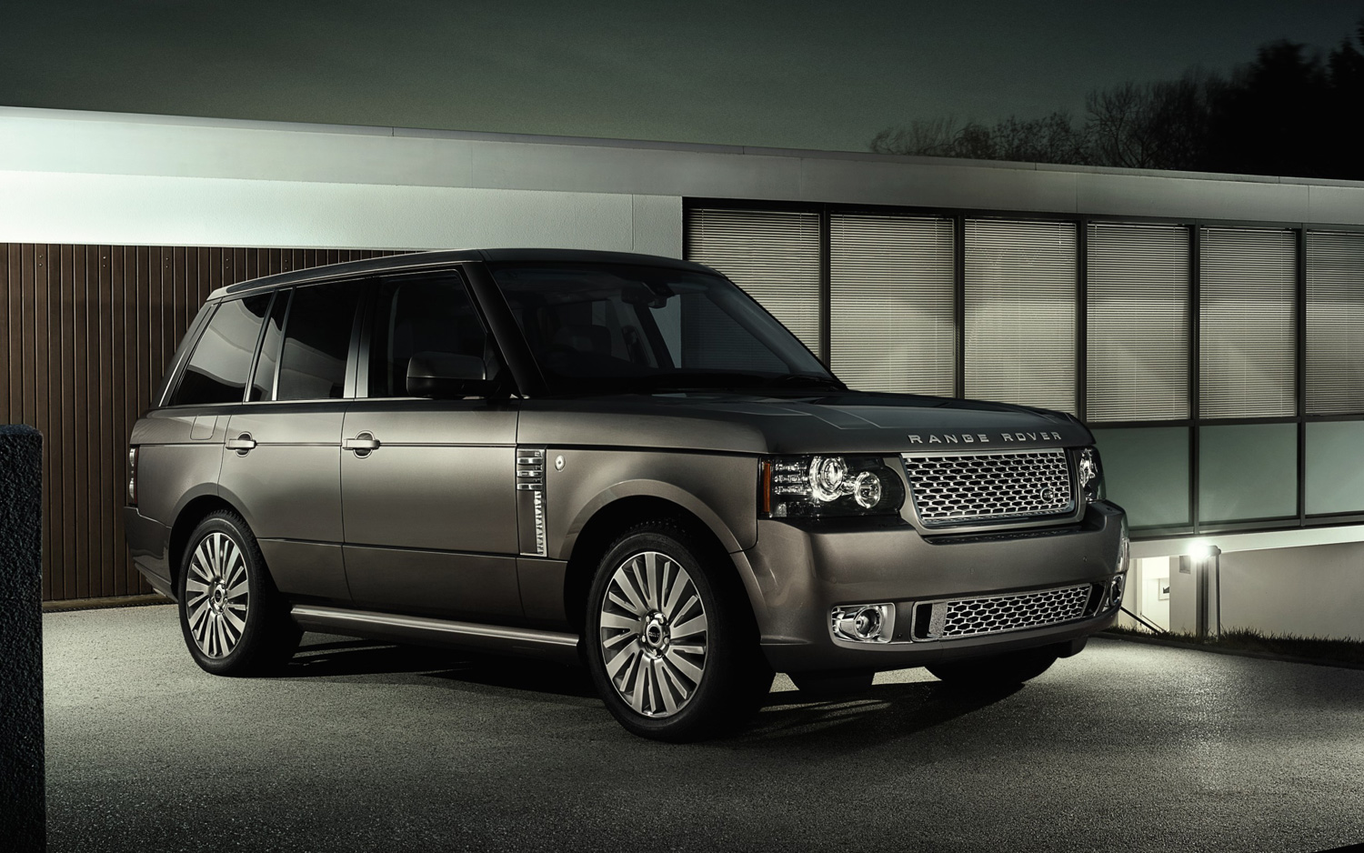 Рестайлинг Range Rover в 2010 год + Body Kit Autobiography